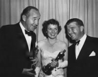 1950_view_actor_crawford_supporting_mccambridge_picture_rossen_big.gif