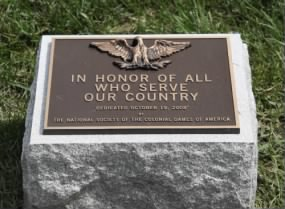 Spanish-American_War_Memorial_-_bronze_marker_-_Arlington_National_Cemetery_-_2011.JPG