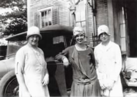 Florence Sue Grace Taylor (L to R) Approx 1935b.jpg
