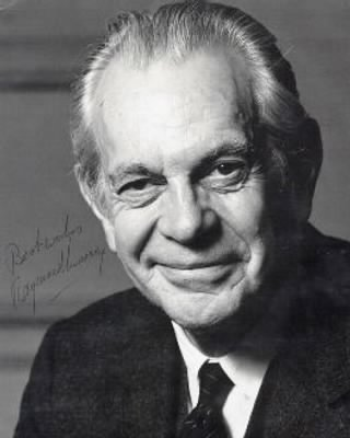 Raymond Massey: person, pictures and information - Fold3.com
