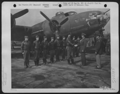 Memphis Belle Crew after completing 25 missions picture
