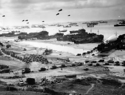 D-Day Omaha Beach June 1944.jpg