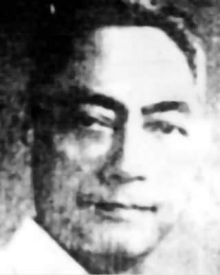Manuel served as the Governor of Albay before and after World War II.