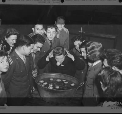 Bobbing for Apples in 1943